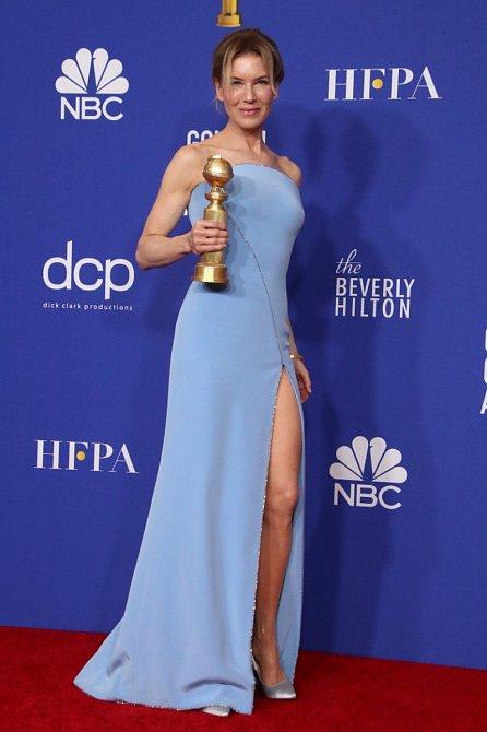 Renée Zellweger prokázaly šaty medvědí službu.