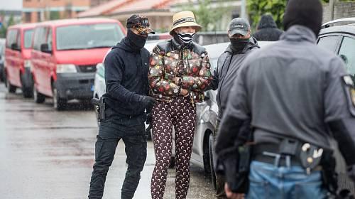 Zuzana Plačková zvolila luxusní oblečení i při zásahu policie.