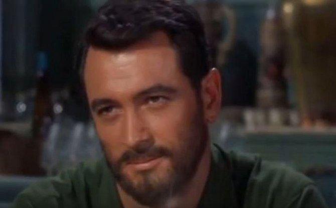 Rock Hudson (1925-1985) - Hollywoodský herec Rock Hudson byl snem mnoha žen a ve filmech platil za svůdníka. V soukromí ale miloval muže a v obavách ze ztráty práce a fanoušků to tajil. Homosexuální orgie ho stály život.