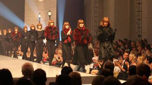 F&F podzim/zima 2011: Prahu oslnila pařížská elegance!