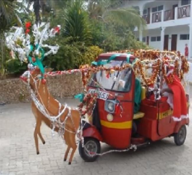 Ani tahle výzdoba rikšy se moc nepovedla.