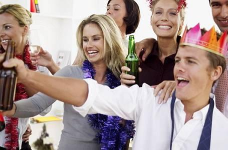 Trapasy, které vás můžou potkat na vánočních večírcích