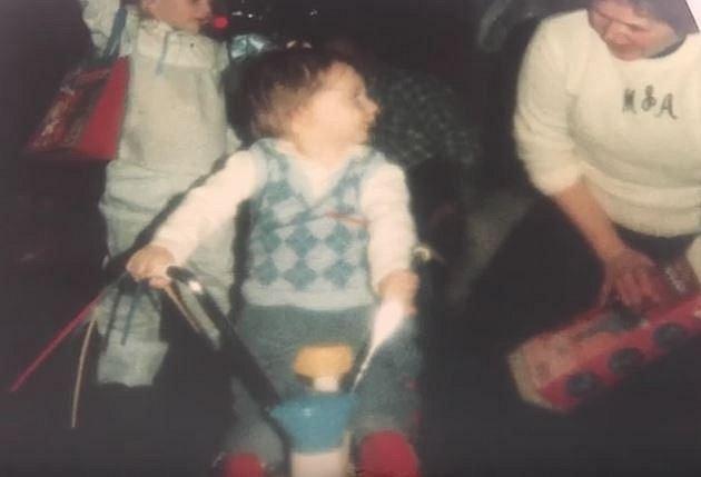 Nathanovi rodiče se k němu snažili přistupovat jako ke zdravému dítěti.