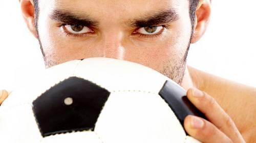 Rozhodněte souboj nejkrásnějších fotbalistů Plzně a Barcelony