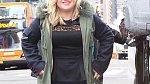 Kelly si musí vyslechnout kritiku na svou nadváhu od cizích lidí, ale i od známých tváří.