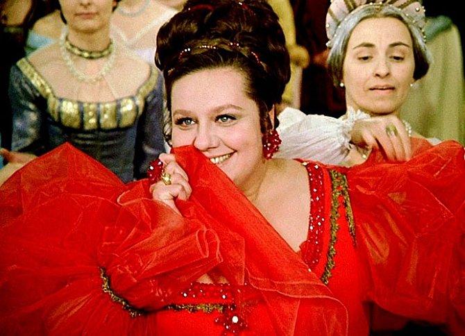 Helena Růžičková jako Droběna v pohádce Tři oříšky pro Popelku