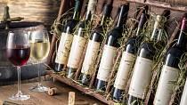 Jste-li hostem, přineste hostiteli nějaký dárek. Lahev vína, krabici sušenek či jinou drobnost.