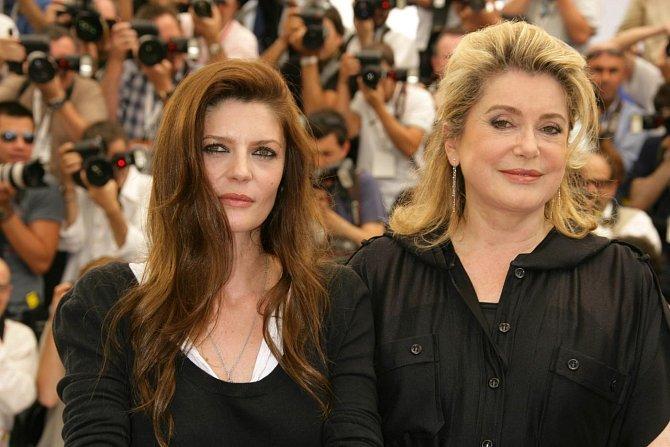Ze vztahu s hercem Marcellem Mastroiannim se narodila dcera Chiara.