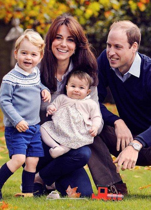 Královská rodina na oficiální fotografii