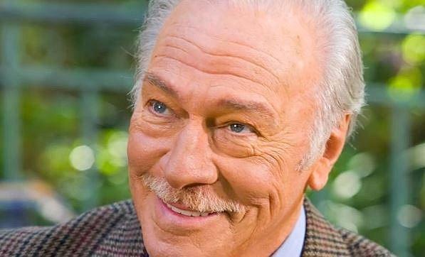 Christopher Plummer - Tento charismatický herec dostal za svůj život mnoho divadelních i filmových cen. Ovšem až v 82 letech se mu dostalo pocty nejvyšší a obdržel Oscara. Cenu mu vynesl jeho výkon ve snímku Beginners (Začátky).