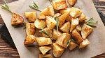 Ovšem v roce 1853 si jeden z hostů stěžoval na smažené brambory, a podle Cruma neoprávněně.
