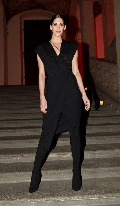 Aneta Vignerová nosí ráda černou barvu.