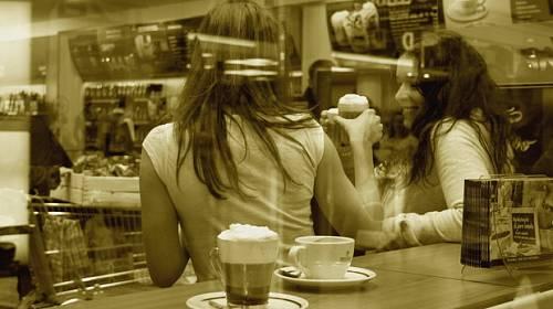 """Vyhlášení výherců fotosoutěže: """"Dostaveníčko s kávou v obchodě Tchibo""""."""