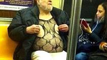 Na koho se dá narazit v metru?