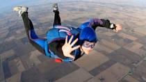 Shayna Richardson se proslavila tím, že skákala s padákem coby těhotná.