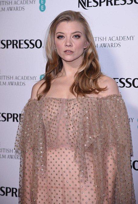 Natalie Dormer oblékla podivný průsvitný model.