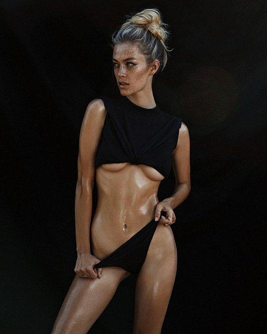 Paulina je dnes pro svůj netypický vzhled vyhledávanou modelkou.