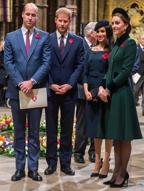 Na Den Veteránů se oba mladé královské páry oblékly naprosto fantasticky.