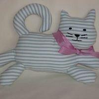 Textilní hračka kočka