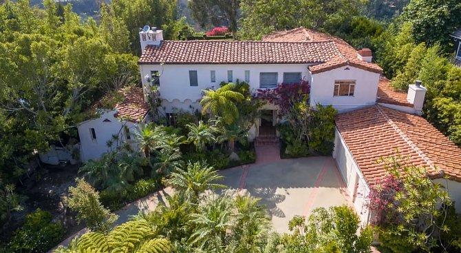 Dům u Pacifiku je také velký a luxusní.