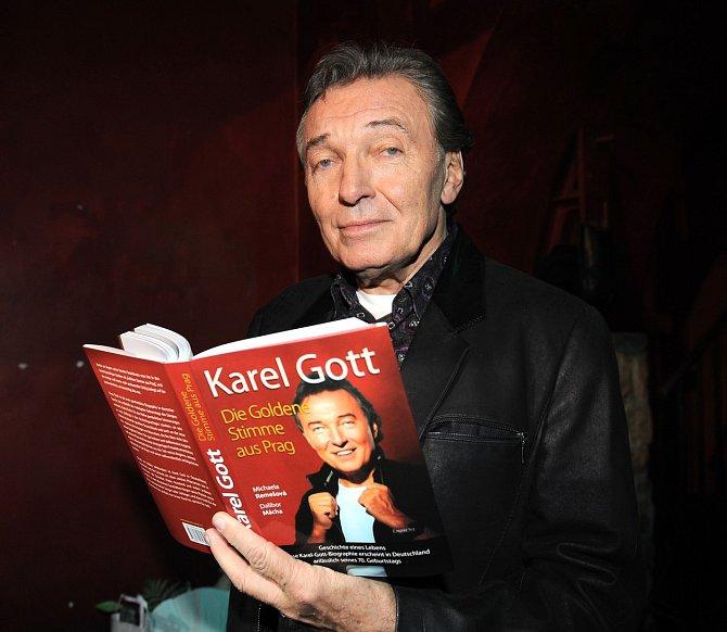 V Německu vyšla o Gottovi nejedna kniha.
