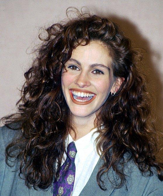 Julia je známá svými bujnými kadeřemi, které jí zdobily v mládí.