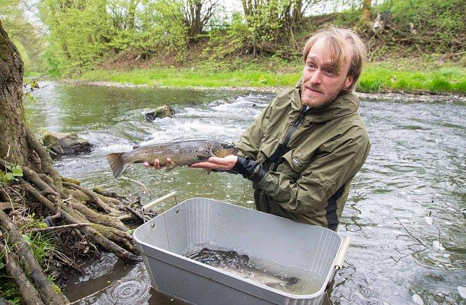 Jakub Vágner je profesionální rybář. Loví v Čechách i daleké Amazonii.