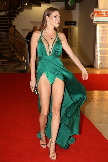 Andrea Verešová a její rafinovaný model.