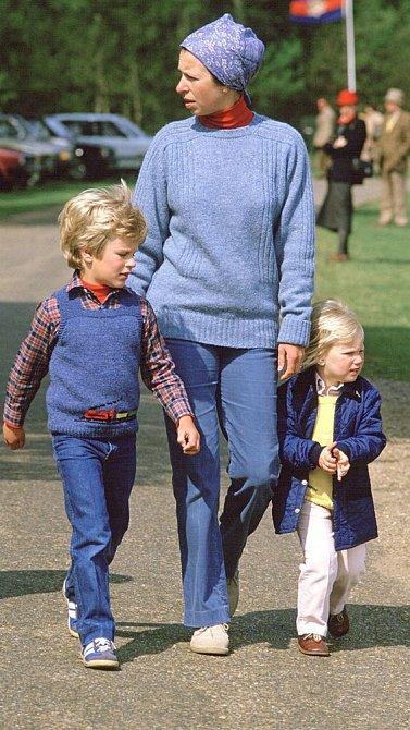 Anne Mountbatten-Windsor se svými dětmi.