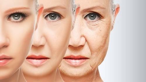Proti stárnutí lze bojovat mentálně a stravou.