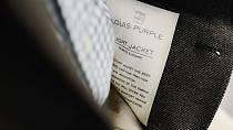 Propracované detaily a kvalitní materiály, tak to je pánská móda Louis purple.