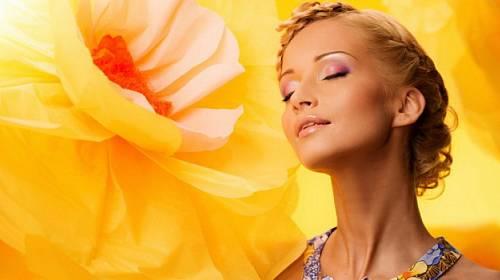 20 přípravků, které by měla obsahovat vaše letní kosmetická taštička