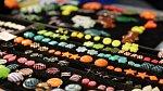 Móda: Úlovky ze zářivového Fashion marketu