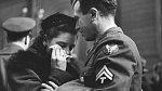11. Rozloučení s odjíždějícími jednotkami, New York – nádraží Penn Station, duben 1943