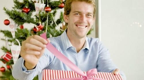 Co mu mám proboha koupit k Vánocům?