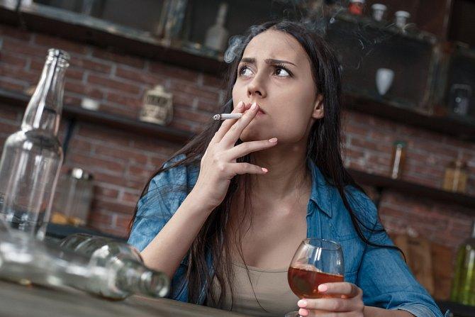 Nezdravý životní styl může velkou  měrou přispět ke vzniku Crohnovy choroby.