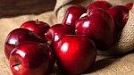 Jablka jako pro Sněhurku nevypadají moc zdravě.