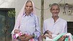 Omkari Panwar s manželem a jejich čerstvě narozenými dětmi.