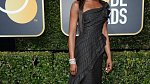 Naomi Campbell, i topmodelka dříve známá hlavně svými hysterickými výlevy přišla celá v černé.