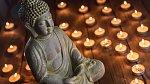 Buddha: Pokud cestujete do zemí, kde převládá buddhismus, dejte si pozor na převoz jejich světce. Nesmíte totiž vyvézt sošku Buddhy větší než 15 cm.