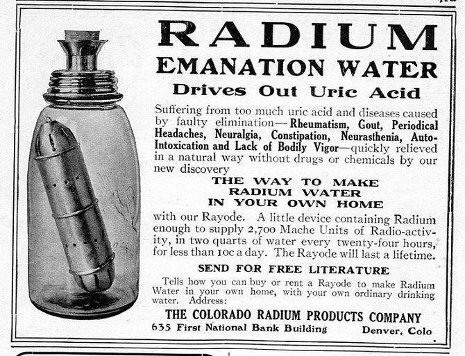 Dobová reklama vyzdvihující benefity pití radioaktivní vody k léčení nejrůznějších onemocnění.