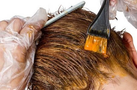 Barvení vlasů: Tipy jak to snadno a rychle zvládnout doma