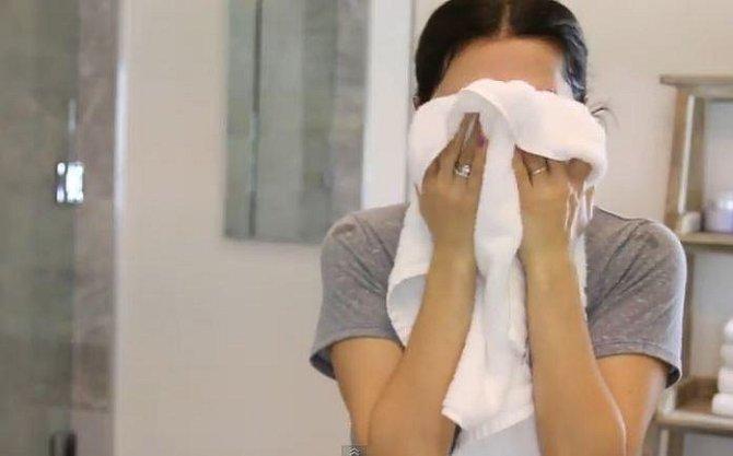 Doporučujeme na obličej používat speciální ručník a ten měnit alespoň každý druhý den.