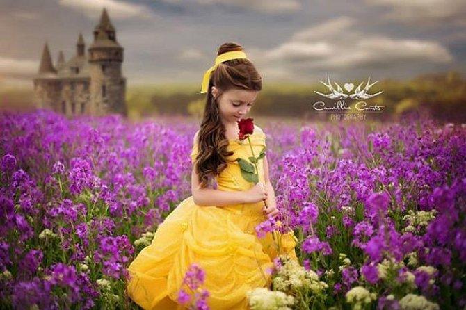 Překrásná snová galerie: Fotografka plní své dceři sen každé malé holčičky!