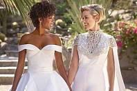 Samira Wiley svou manželku Lauren Morelli potkala během natáčení seriálu Orange is the new black. Lauren je producentka a scénáristka a v době natáčení byla vdaná, ovšem zamilovala se do Samiry a rozhodla se rozvést se svým mužem.