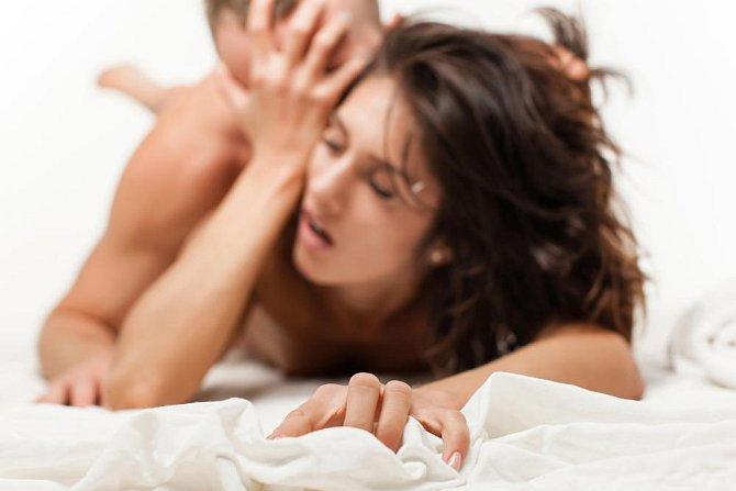 Čeká na váš orgasmus, ale nijak k němu nepřispívá