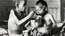 Osiřelé děti za druhé světové války.