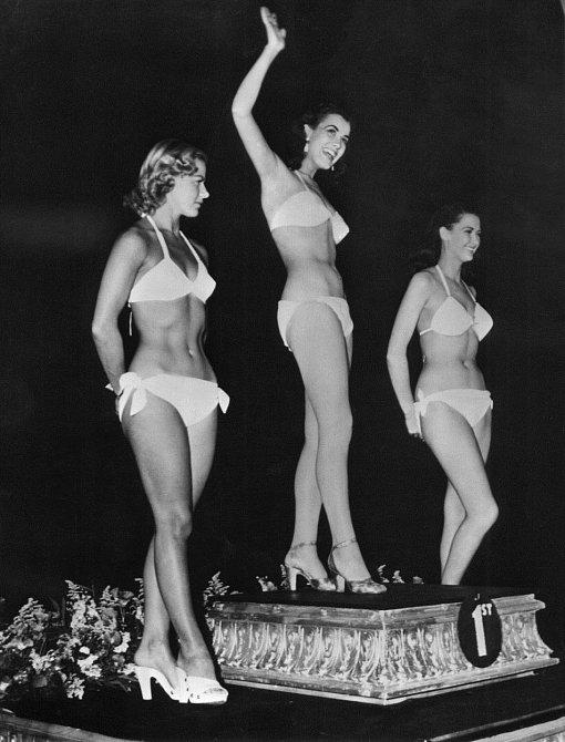 Miss World 1951 -  1. Kerstin (Kiki) Haakonson (Švédsko), 2. Laura Ellison-Davis (Anglie), 3. Doreen Dawne (Anglie).