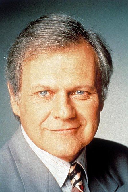 Ken Kercheval alias Cliff Barnes má sedm dětí ze čtyř manželství, z nichž všechny skončily rozvodem. Je už také zasloužilým dědečkem.