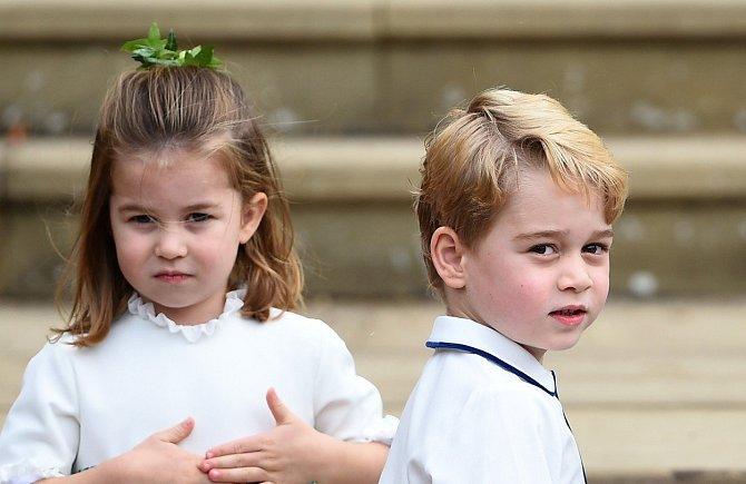 Princezna Charlotte a princ George šli nevěstě za družičku a družbu.